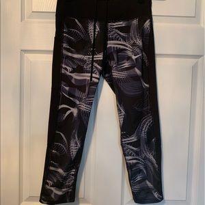Woman's printed Nike Capri Leggings
